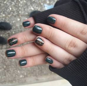 40 Chic Green Nail Art Ideas 27