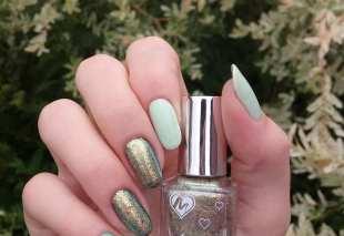 40 Chic Green Nail Art Ideas 30