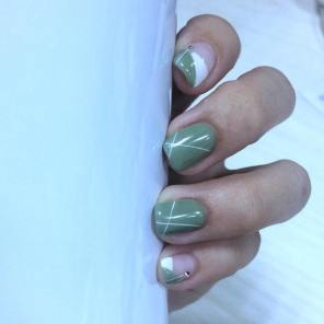 40 Chic Green Nail Art Ideas 9