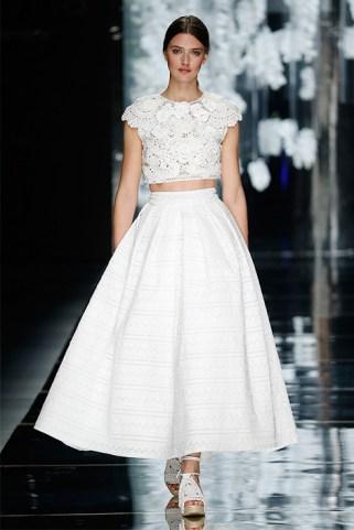 40 Einfache Crop Top Brautkleider Ideen 18