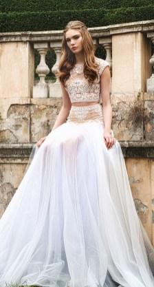 40 Einfache Crop Top Brautkleider Ideen 37