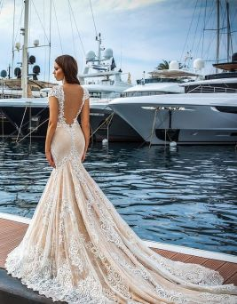 40 Fit and Flare With Long Train Wedding Dresses Ideas 2