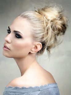 40 High Messy Bun Hairstyles Ideas 3