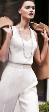 40 How to Wear a Pearl Necklace Ideas 10