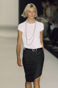 40 How to Wear a Pearl Necklace Ideas 17