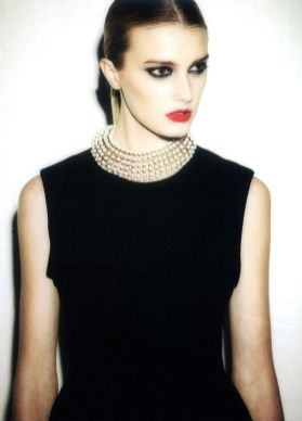 40 How to Wear a Pearl Necklace Ideas 2