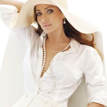 40 How to Wear a Pearl Necklace Ideas 24