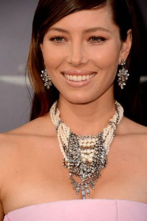 40 How to Wear a Pearl Necklace Ideas 5