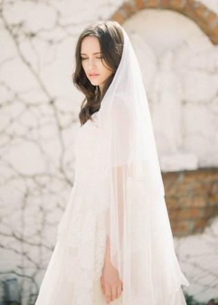 40 Long Viels Wedding Dresses Ideas 20