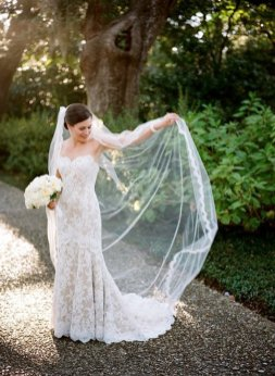 40 Long Viels Wedding Dresses Ideas 27