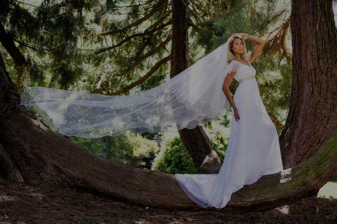 40 Long Viels Wedding Dresses Ideas 33