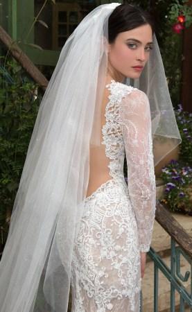 40 Long Viels Wedding Dresses Ideas 34