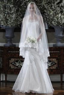 40 Long Viels Wedding Dresses Ideas 35