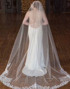 40 Long Viels Wedding Dresses Ideas 38