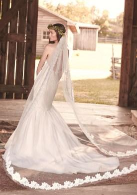 40 Long Viels Wedding Dresses Ideas 39