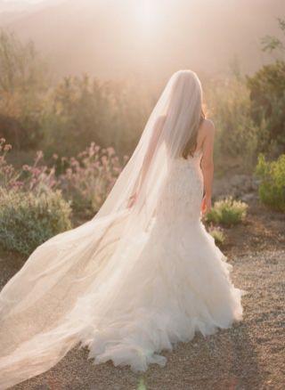 40 Long Viels Wedding Dresses Ideas 6