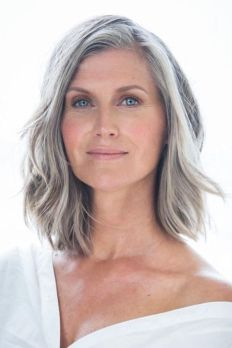 40 Makeup for Women Over 50 Ideas 11