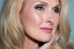 40 Makeup for Women Over 50 Ideas 13