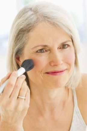 40 Makeup for Women Over 50 Ideas 3