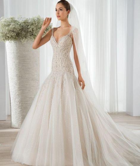 40 Shimmering Bridal Dresses Ideas 46