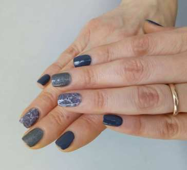 40 Simple Grey Nail Art Ideas 46 2
