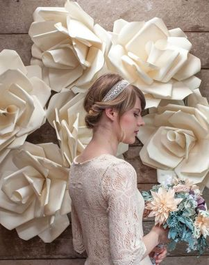 40 Ways to Use Paper Flowers At Your Wedding 1