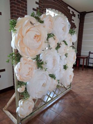 40 Ways to Use Paper Flowers At Your Wedding 11