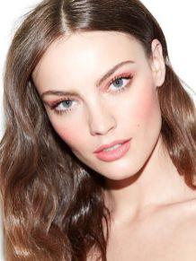40 Ways to Wear Pink Lipstick Ideas 22
