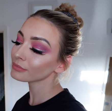 40 Ways to Wear Pink Lipstick Ideas 24