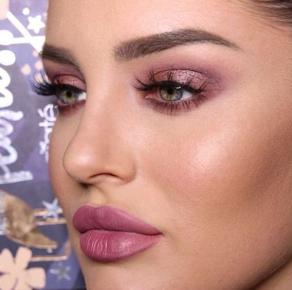 40 Ways to Wear Pink Lipstick Ideas 3