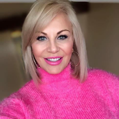 40 Ways to Wear Pink Lipstick Ideas 36