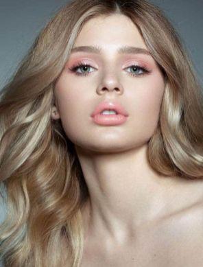 40 Ways to Wear Pink Lipstick Ideas 39