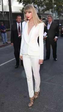 40 Ways to Wear Women Suits Ideas 38