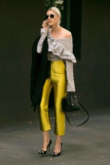40 Yellow Outfits in Fashion Ideas 32