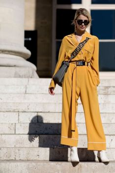 40 Yellow Outfits in Fashion Ideas 33