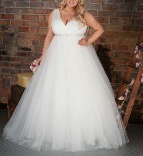 50 Ball Gown for Pluz Size Brides Ideas 14