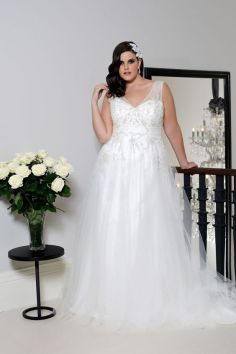 50 Ball Gown for Pluz Size Brides Ideas 45