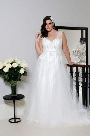 50 Ball Gown for Pluz Size Brides Ideas 45