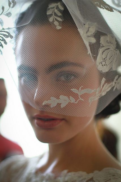 50 Blusher Veils and Bridcage for Brides Ideas 31
