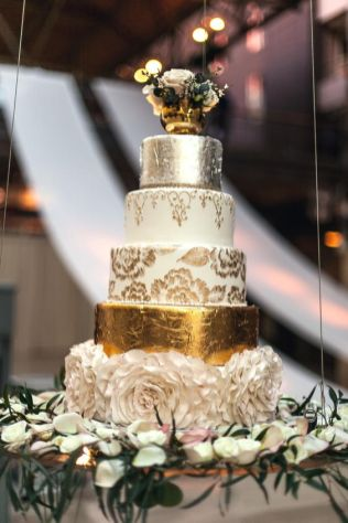50 Gold Wedding Cakes Ideas 52