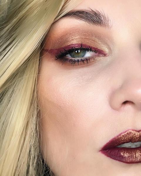 50 Green Eyes Makeup Ideas 47
