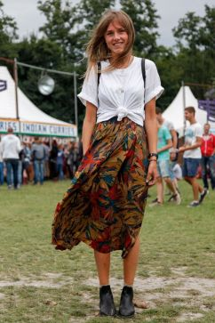 50 How to Wear an Oversized T Shirt Ideas 21
