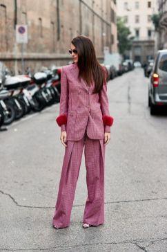 50 Möglichkeiten rosafarbene Outfits Ideen zu tragen 14