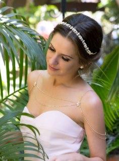 50 Shoulder Necklaces for Brides Ideas 22