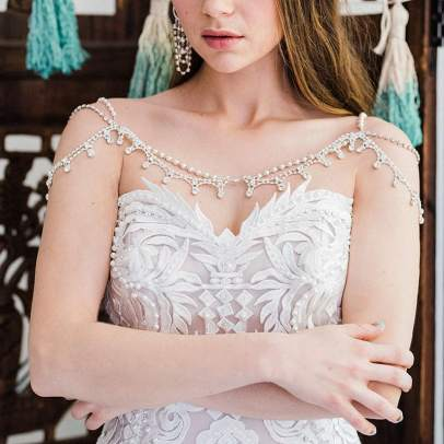 50 Shoulder Necklaces for Brides Ideas 48