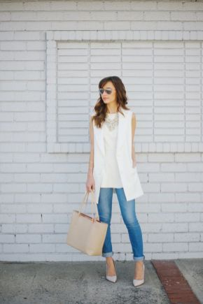 50 White Sleeveless Top Outfits Ideas 2
