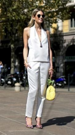 50 White Sleeveless Top Outfits Ideas 3