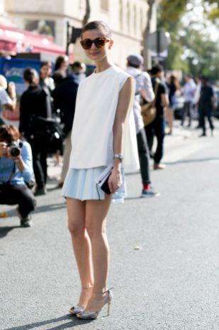 50 White Sleeveless Top Outfits Ideas 55
