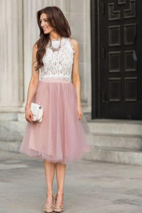 50 White Sleeveless Top Outfits Ideas 6