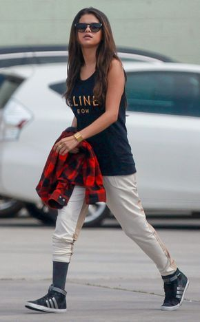 70 Ways Selena Gomes Styles with Sneakers Ideas 15